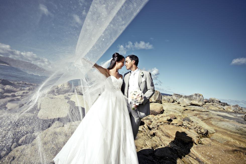 Wedding photography locations Sydney - Palm Beach Rock Pool